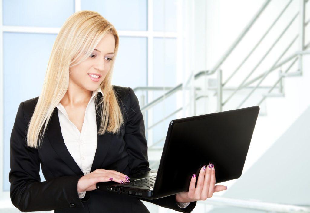 4 conseils ergonomiques pour les utilisateurs d'ordinateurs portables